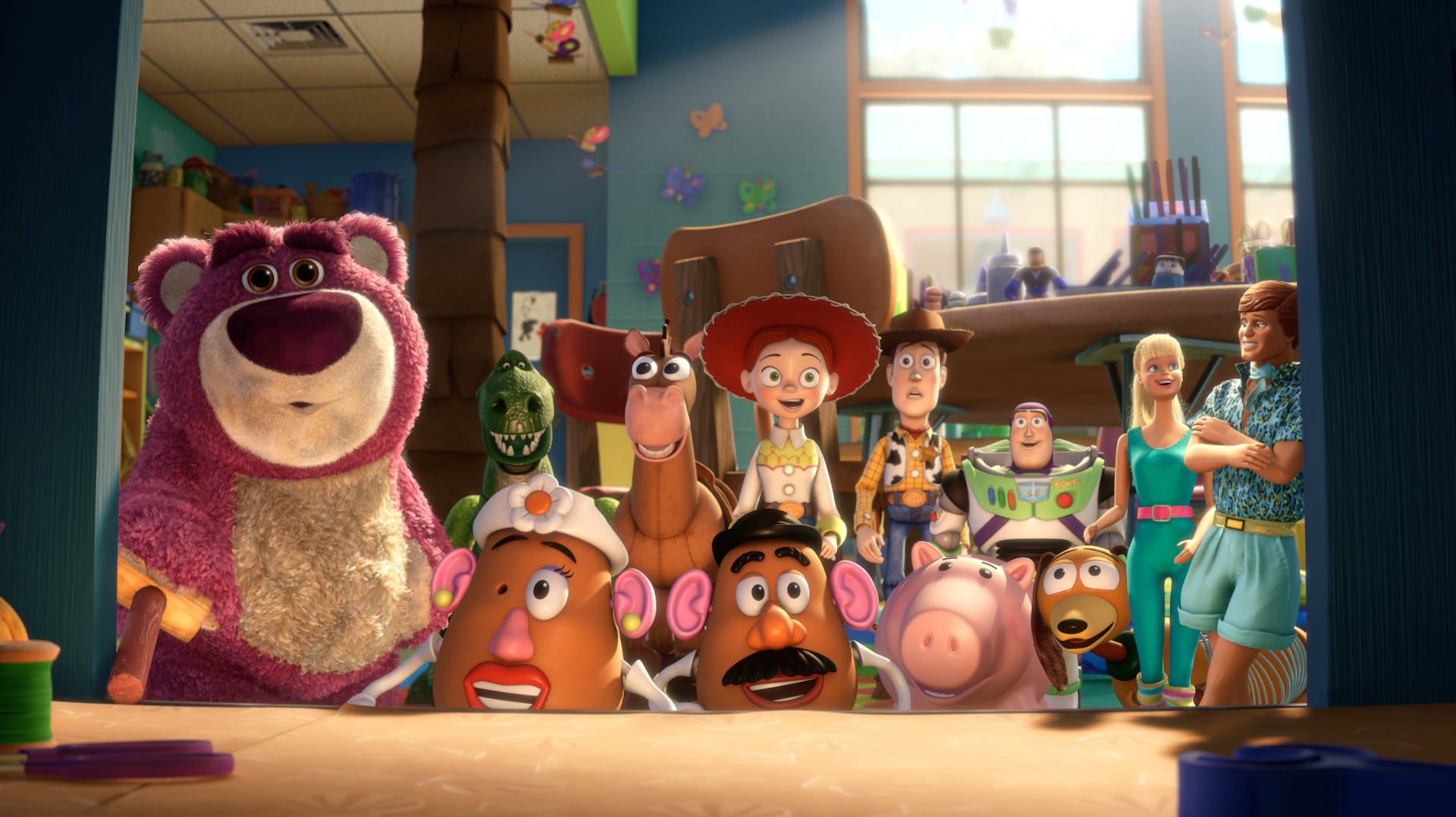 Box Office Roundup: Toy Story 3 Officially Passes A Billion